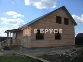 дом с разносторонней крышей