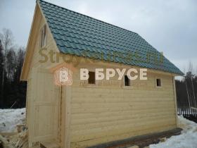 вид бани с крышей