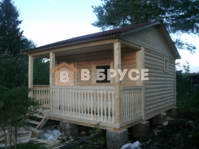 построенная баня из дерева